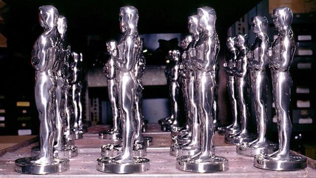 The R S Owen Oscar Statuette factory in Chicago, America - 1994
